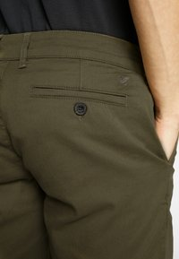 Lyle & Scott - Shorts - lichen green - 5