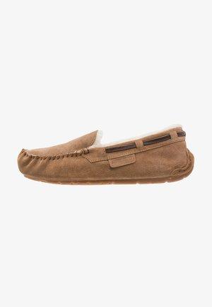 STEFFO - Slippers - chestnut