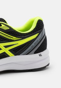 ASICS - GEL-BRAID - Scarpe running neutre - black/safety yellow - 5