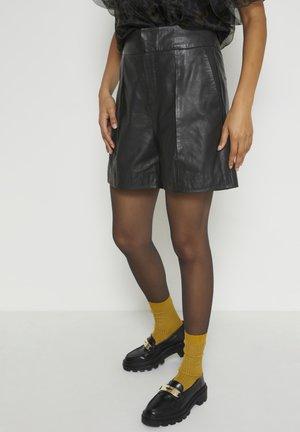 MWENZO LEATHER SHORTS - Shorts - black