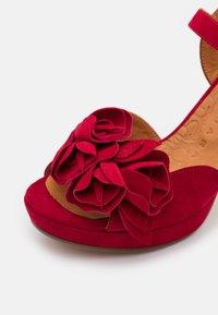 Chie Mihara - BRI EKUNE - Sandalen met plateauzool - rojo - 6