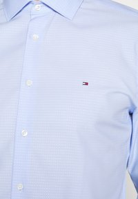 Tommy Hilfiger Tailored - DOBBY DESIGN CLASSIC - Formal shirt - blue - 5