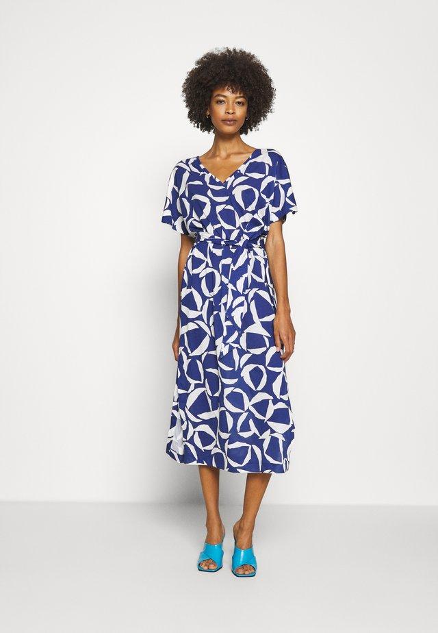 CRESENT BLOOM DRESS - Jerseyjurk - crisp blue