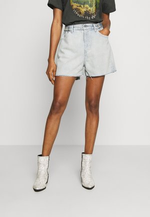 CINCHED TAB - Denim shorts - leisure club