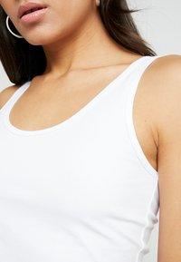 AMOV - CATE TANK - Top - white - 5