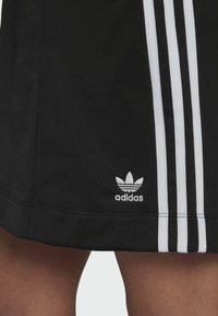 adidas Originals - Falda acampanada - black - 3