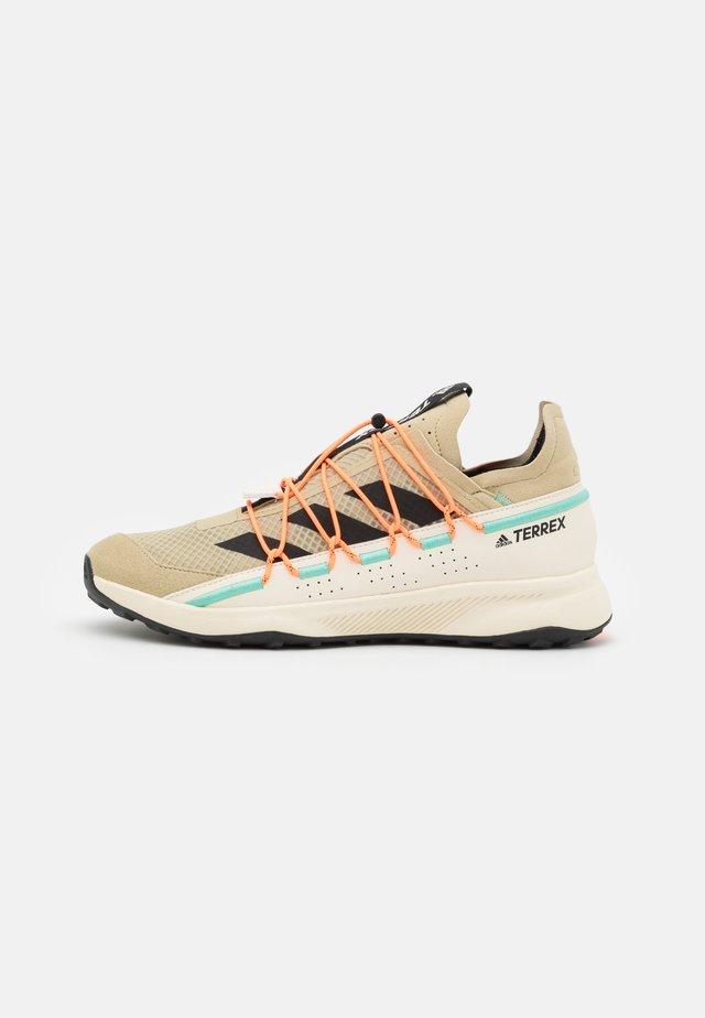 TERREX VOYAGER 21 H.RDY - Chaussures de marche - beige