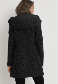 ONLY - ONLSEDONA COAT - Kort kappa / rock - black/melange - 3