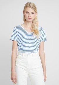 Banana Republic - VEE TEE - Basic T-shirt - bold blue - 0