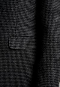Burton Menswear London - DOGTOOTH BLAZER - Jakkesæt blazere - charcoal - 5