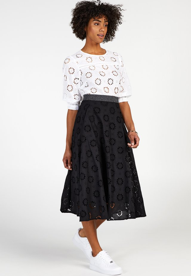 COLLECTION - A-line skirt - black