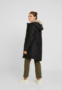 Vero Moda Petite - VMTRACK EXPEDITION - Parka - black - 2