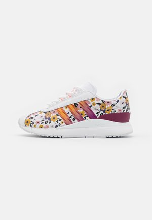 SL ANDRIDGE  - Sneaker low - footwear white/power berry/gold metallic