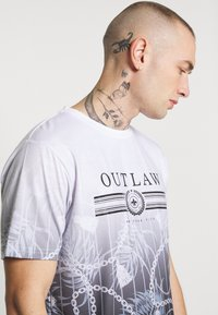 Supply & Demand - BLOOM WITH FADE PRINT - T-shirt con stampa - white/black fade - 3