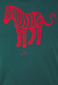 PS Paul Smith - MENS SLIM FIT DEVIL ZEBRA - Print T-shirt - dark green - 2
