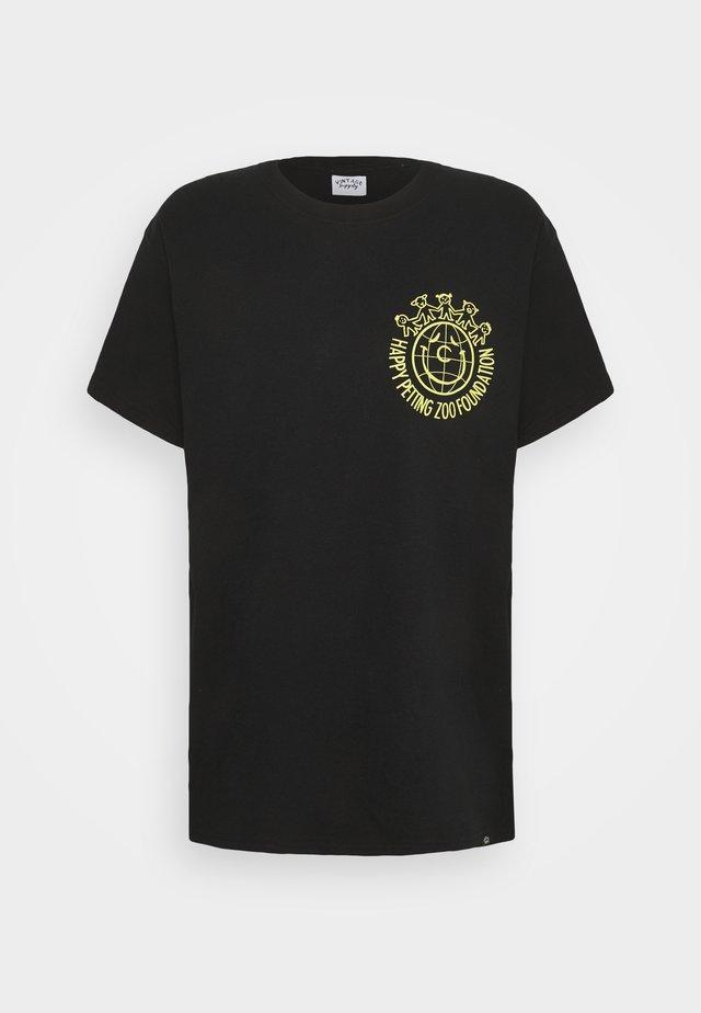 PETTING ZOO TEE - T-shirt z nadrukiem - black