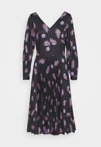 Closet - V NECK PLEATED DRESS - Day dress - black - 4