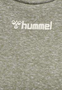 Hummel - Basic T-shirt - vetiver melange - 4