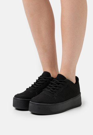 FLIRTY PLATFORM - Trainers - black
