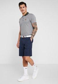 Lyle & Scott - GOLF  - Sports shirt - spruce green/glacier grey - 1