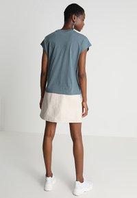 KIOMI - Basic T-shirt - goblinblue - 2