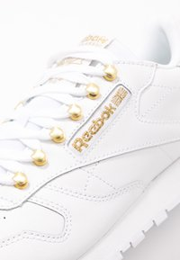 Reebok Classic - CLASSIC  - Trainers - white/gold - 2