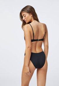 OYSHO - RUCHED  - Bikini top - black - 2