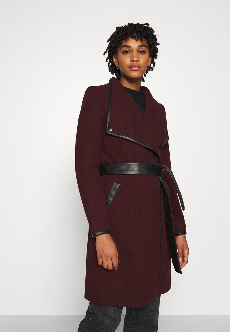 Vero Moda - VMWATERFALL CLASS - Classic coat - port royale/black