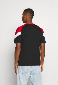 Puma - FERRARI RACE TEE - Print T-shirt - black/rosso corsa - 2