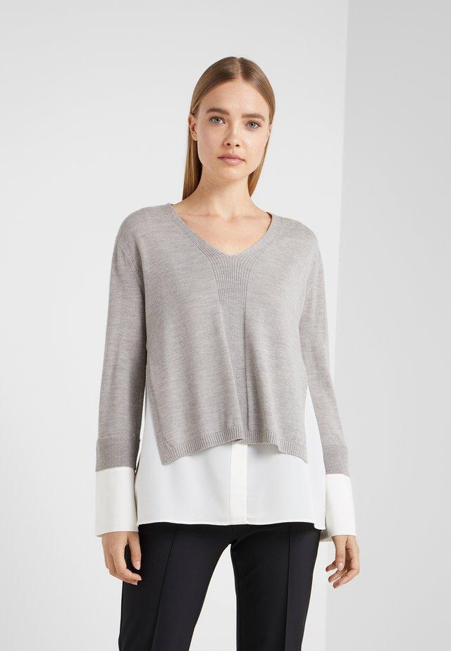 JHAYME - Stickad tröja - grey and white