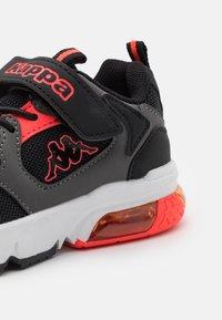 Kappa - UNISEX - Sports shoes - black/coral - 5