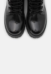 Monki - VEGAN LEANDRA BOOT - Platform ankle boots - black - 5