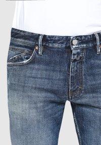 CLOSED - DROP CROPPED - Zúžené džíny - mid blue - 3