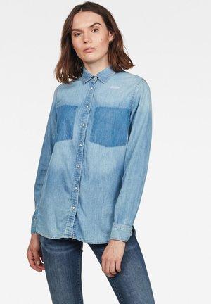 REMI BOYFRIEND - Button-down blouse - blue denim