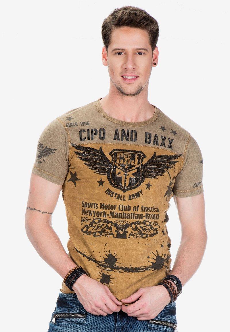 Cipo & Baxx - Print T-shirt - mustard