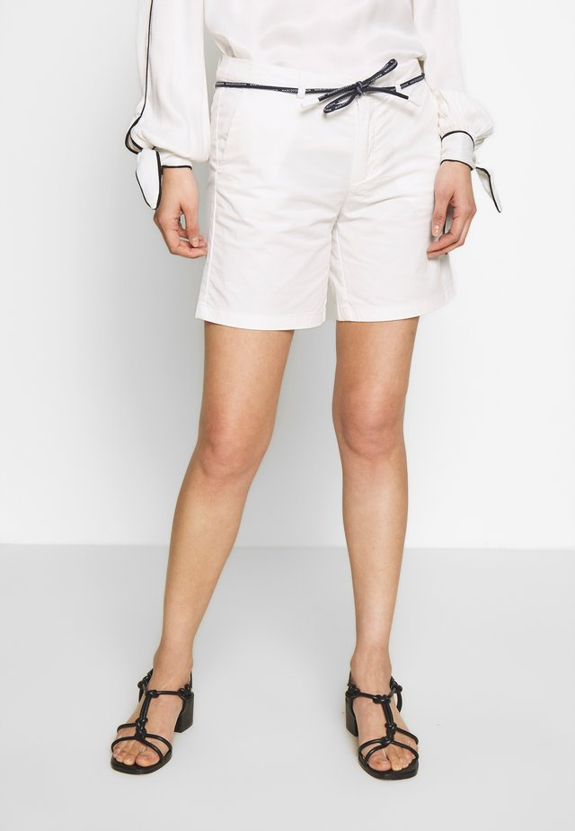 TURN UP BELT LOOPS ROUND DRAW STRING - Shorts - scandinavian white