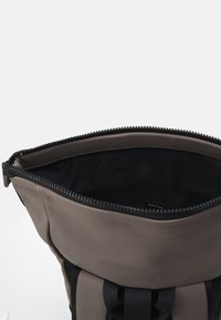 Spiral Bags - LEGACY UNISEX - Batoh - stone - 2