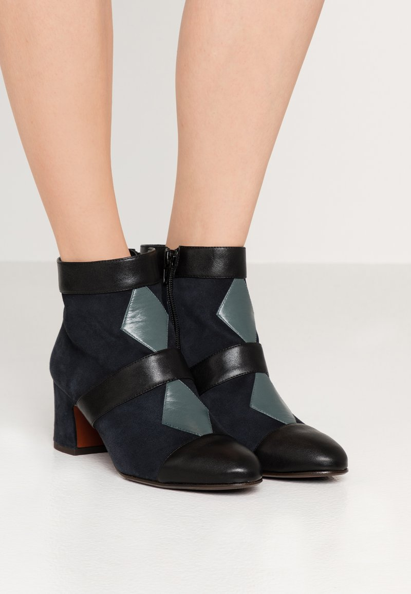 Chie Mihara - NICOLA - Ankle boots - multicolor
