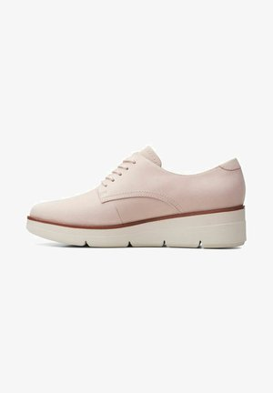Sportieve veterschoenen - dusty pink suede