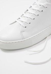 Bianco - BIAAJAY LEATHER SNEAKER - Joggesko - white - 5