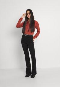 Vila - Button-down blouse - burnt henna - 1