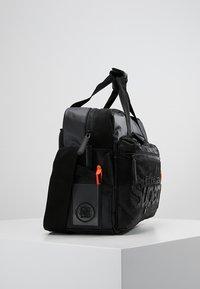 Superdry - FREELOADER LAPTOP BAG - Taška na laptop - black - 3