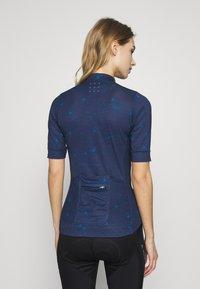 Triple2 - VELOZIP - T-shirt print - peacoat - 2