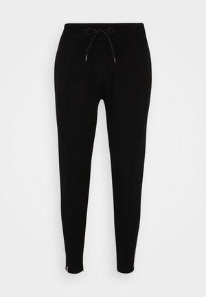 SMART ESSENTIAL PANTS - Teplákové kalhoty - black