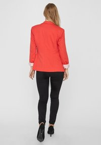 Vero Moda - VMHARUKI - Blazer - poppy red - 2