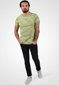 Blend - T-shirt con stampa - forest green - 1