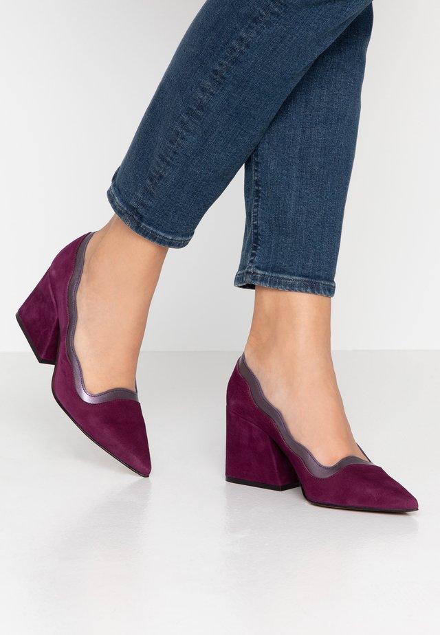 MOUNT - Classic heels - purple