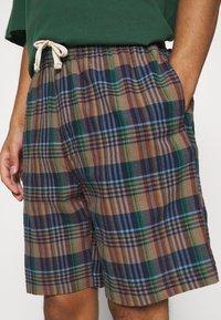 BDG Urban Outfitters - CHECK DRAWSTRING - Shorts - khaki - 3