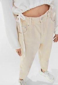 Bershka - Straight leg jeans - beige - 3
