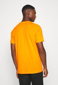 Solid - DAVE - Print T-shirt - orange pee - 2